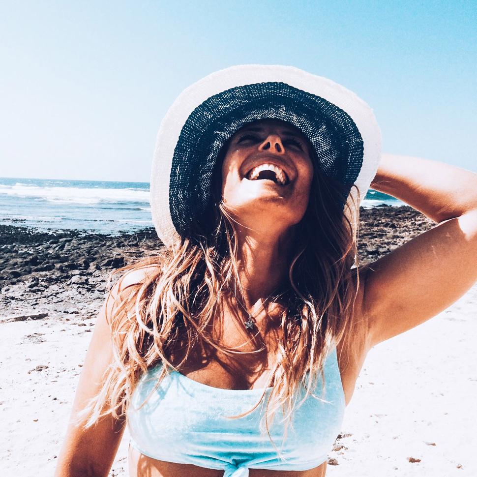 Surferas: Laura | Macaronesia Fuerteventura