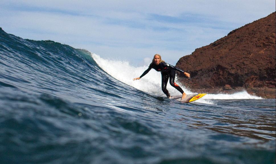 Surferas: Michèle | Macaronesia Fuerteventura