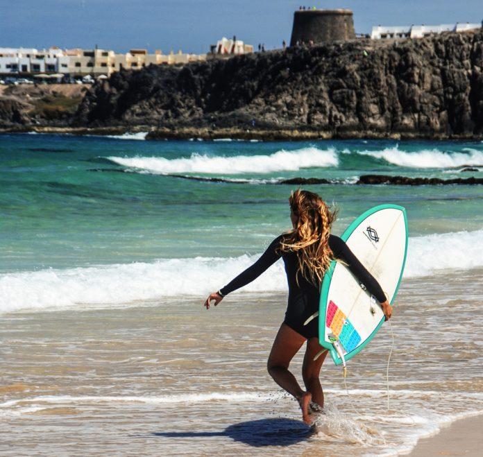 Surferas Fuerteventura | Macaronesia Fuerteventura
