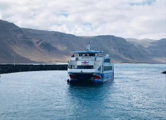 El nuevo catamarán de Líneas Romero   Macaronesia Fuerteventura