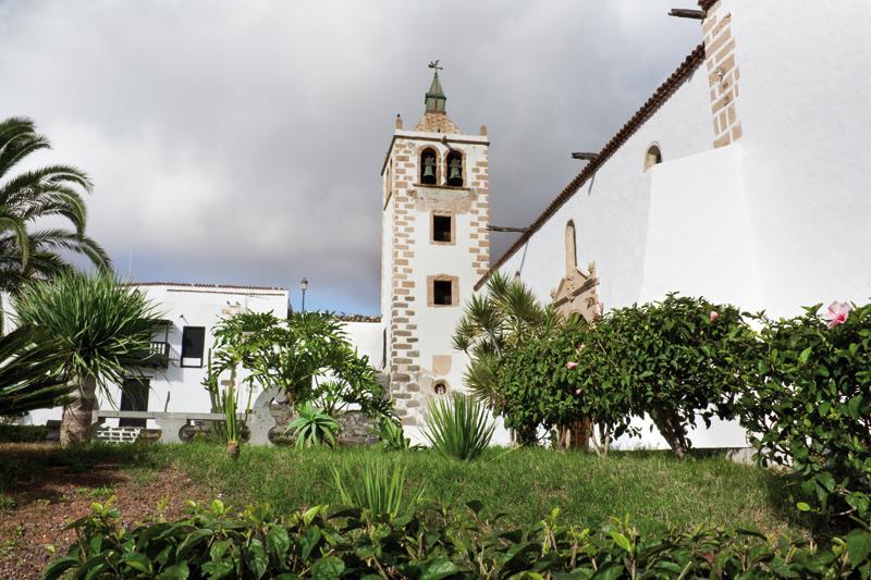Iglesia Santa María de Betancuria | Macaronesia Fuerteventura