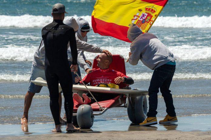 Marcos Tapia, campeón de España de Surf Adaptado | Macaronesia Fuerteventura