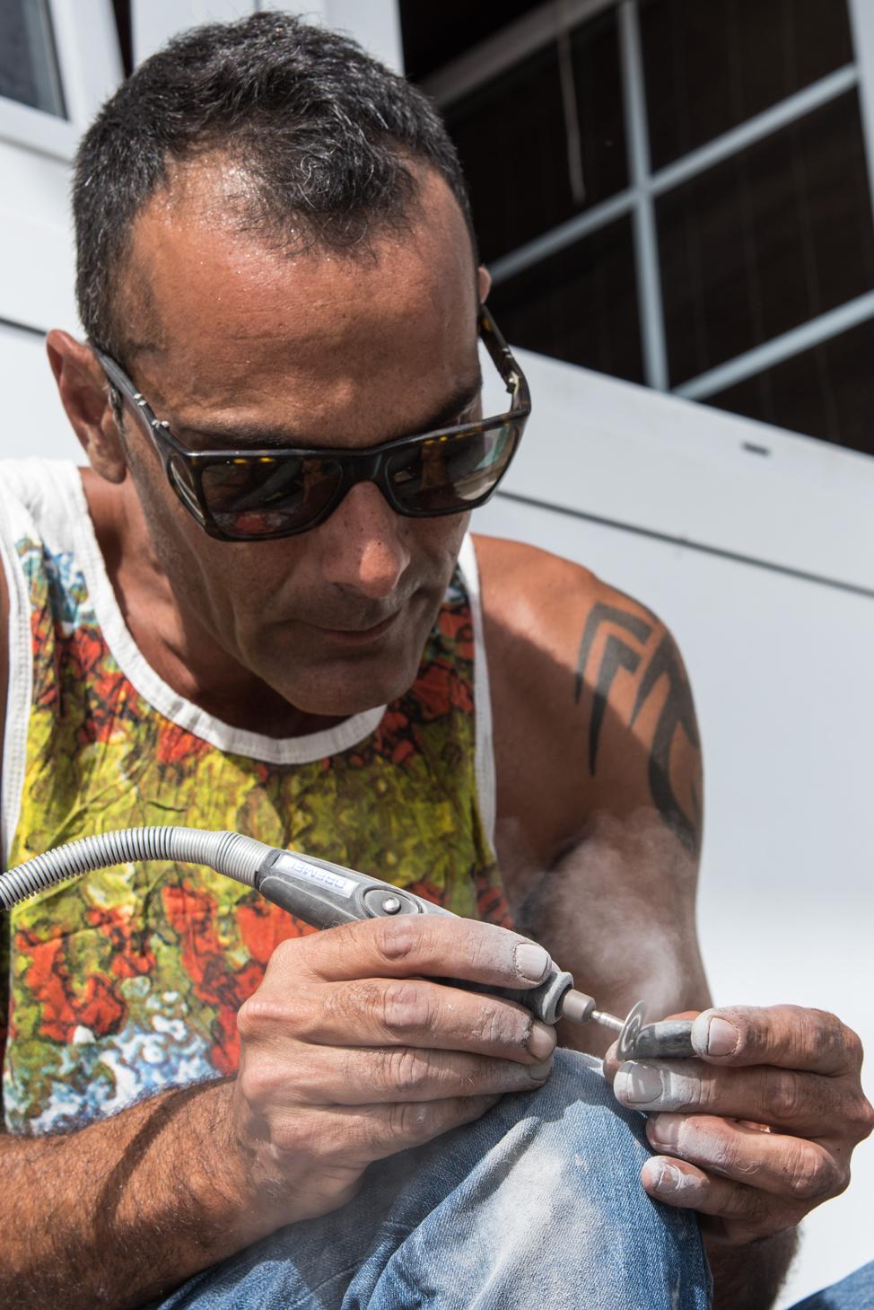 Malage, the artist that turns stones into fish | Macaronesia Fuerteventura