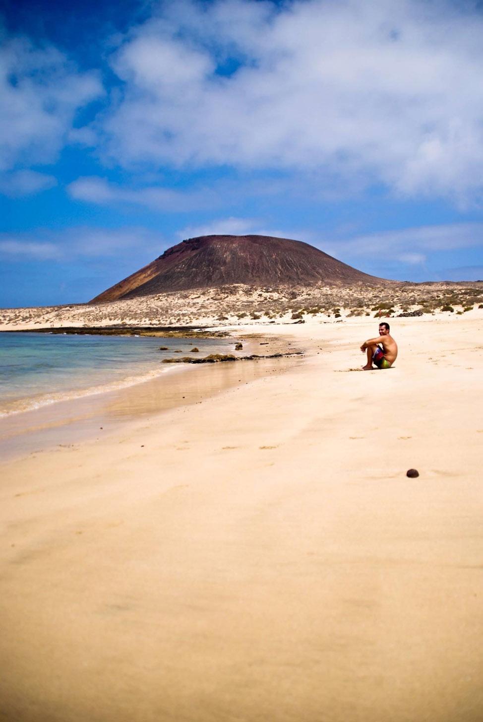 La Graciosa, un paraíso de playas vírgenes | Macaronesia Fuerteventura
