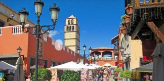 The nicest and liveliest shopping centre in the Canary Islands: El Campanario in Corralejo