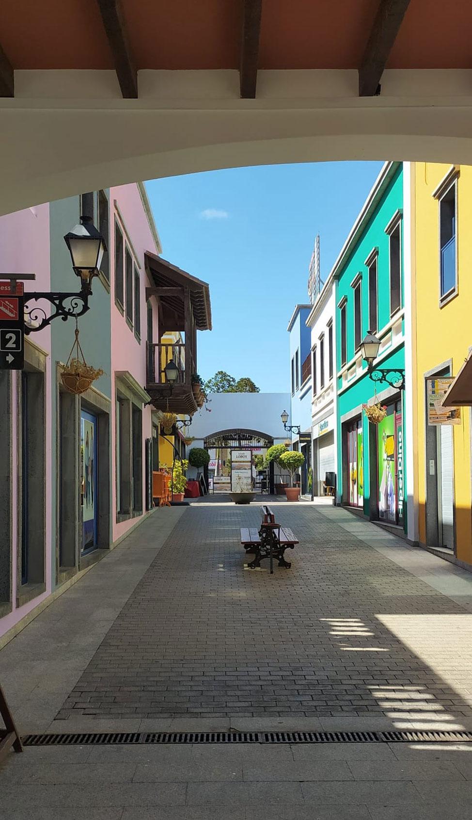 CC El Campanario de Corralejo, el centro comercial más bonito y animado de Canarias | Macaronesia Fuerteventura