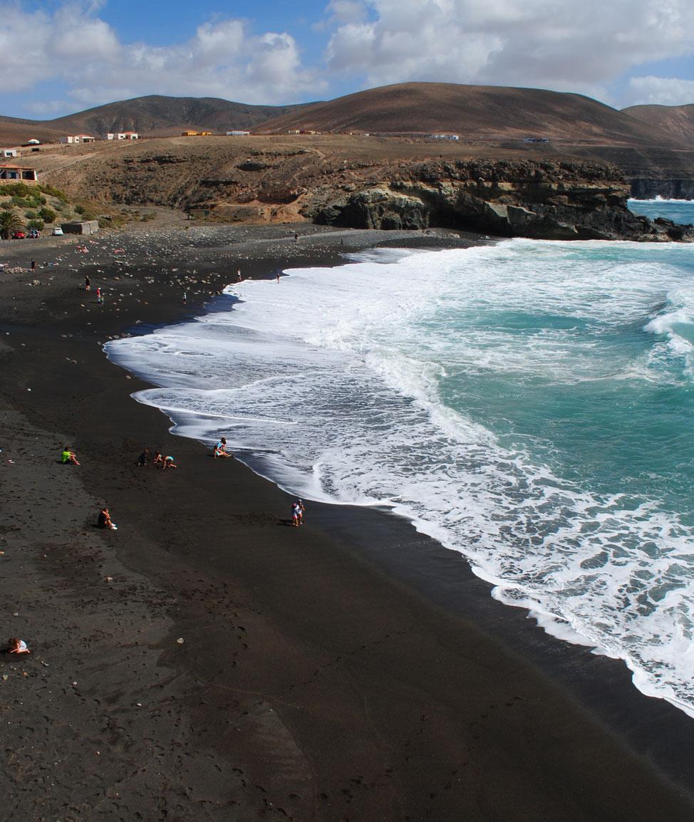 Qué ver en Fuerteventura: Ajuy, playa de arena negra | Macaronesia Fuerteventura