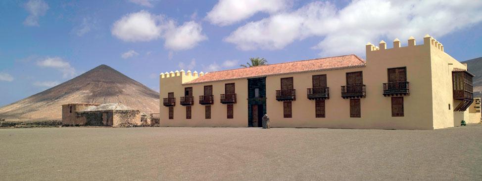 Casa de Los Coroneles, La Oliva   Macaronesia Fuerteventura